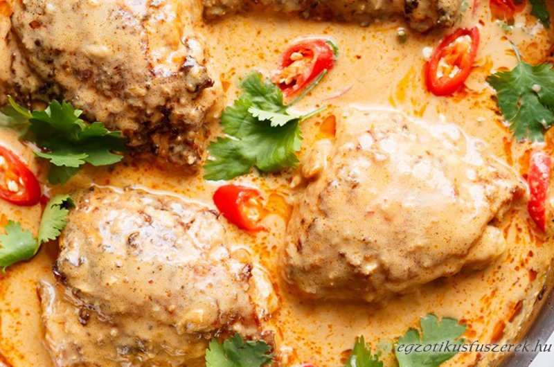Földimogyorókrémes Thai Csirke