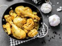Adobong Dilow - Fülöp-szigeteki Kurkumás Csirkecombok