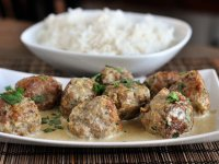 Thai zöldcurrys húsgolyó, kókusztejes szószban