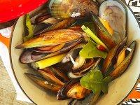 Gőzölt kagylók Thai Citromnád Főzetben