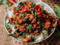 10 perces Thai Csirke Bazsalikommal